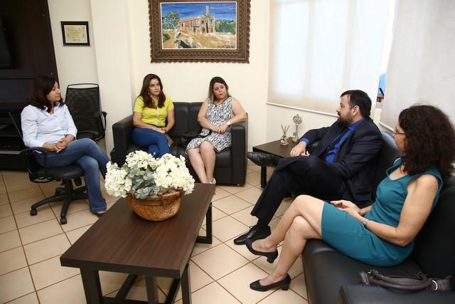 Reunião da prefeita Délia com representantes da Anhanguera, mais uma faculdade que adere ao Projeto Agrega - Foto: A. Frota