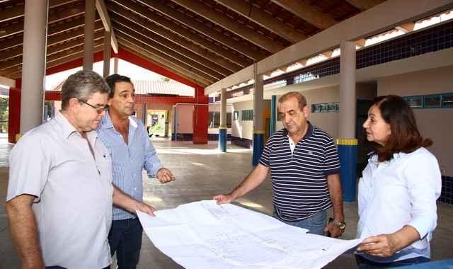 Prefeita Delia e secretários vistoriam obras de construção do Ceim do Jardim Colibri – Foto: A. Frota