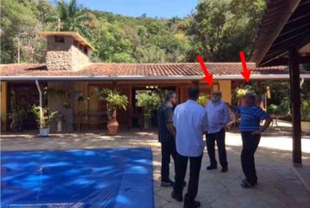 Foto mostra Lula com ex-presidente da OAS em sítio em Atibaia - Foto: Reprodução/Justiça Federal