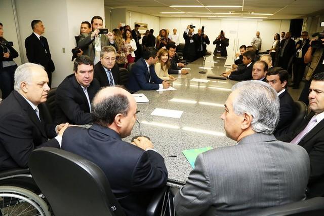 Reinaldo esteve na Assembleia para apresentar a defesa, de maneira informal, aos deputados estaduais - Foto: Victor Chileno