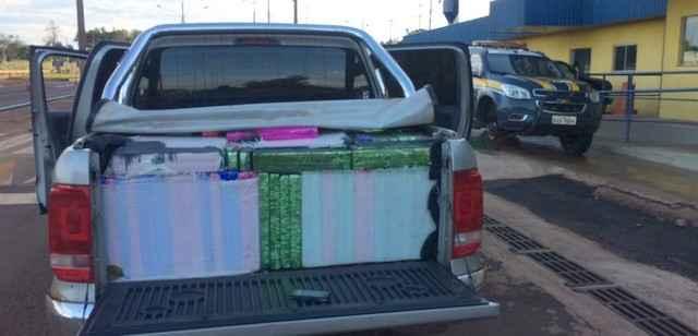 Condutor abandonou o veículo com 1.573 quilos de maconha – Foto: PRF