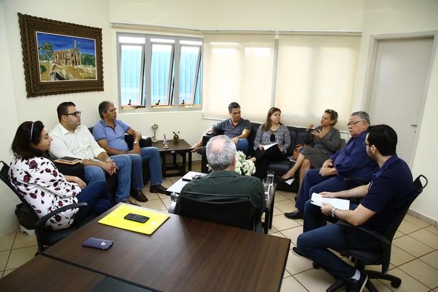 Texto da lei foi discutido no início do mês, em reunião na Prefeitura, entre secretários e vereadores da Comissão de Indústria e Comércio – Foto: A. Frota