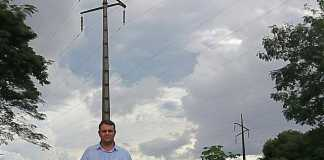 O vereador durante visita ao terreno no Parque das Nações - Divulgação