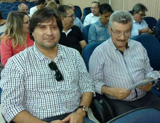 Secretários Sergio Henrique (Habitação) e José Elias (Planejamento) participaram de reunião na Agehab estadual – Divulgação