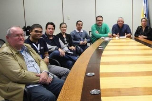 Braz tem promovido reuniões no sentido de se encontrar soluções para desburocratizar o atendimento da prefeitura - Assessoria