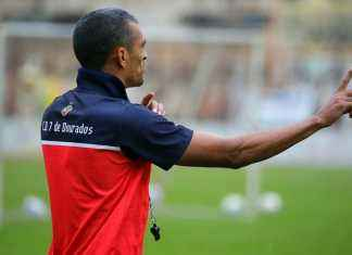 Márcio tenta ajustar setor ofensivo do Sete para buscar vitórias - Foto: Franz Mendes