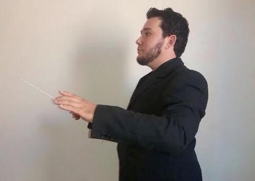 Músico Alan Almeida é o regente da Banda Lira Douradense, que retoma atividades em julho – Foto: Assessoria