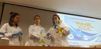 Na Embrapa, estudantes aprenderam porque os biocombustíveis são sustentáveis e como é produzido o biodiesel - Foto: Daniela Collares