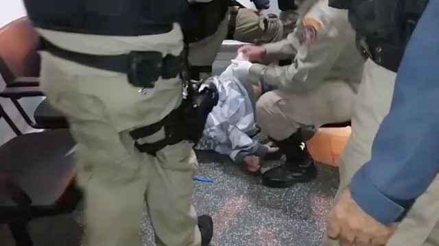 PRF e Corpo de Bombeiros socorreram o passageiro e o encaminharam ao hospital – Foto: PRF