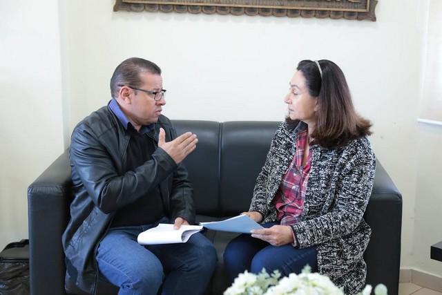 Pedro Pepa em visita à prefeita Délia Razuk - Foto: Eder Gonçalves