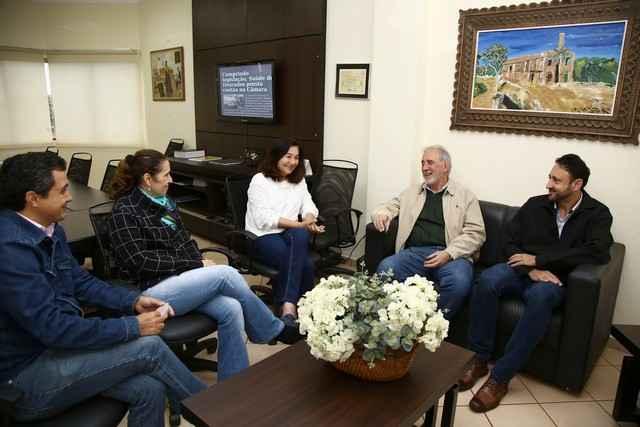 Prefeita Delia recebeu representantes da Cooperativa Coamo – Foto: A. Frota