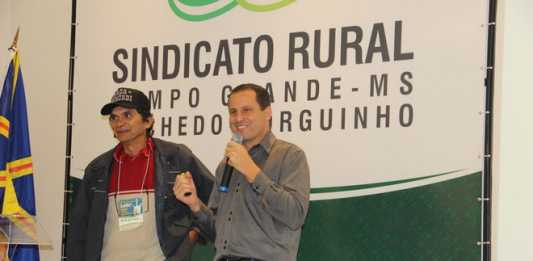Produtor Waldemar Goldinho e o zootecnista Adilson Gastaldello Jr. - Assessoria