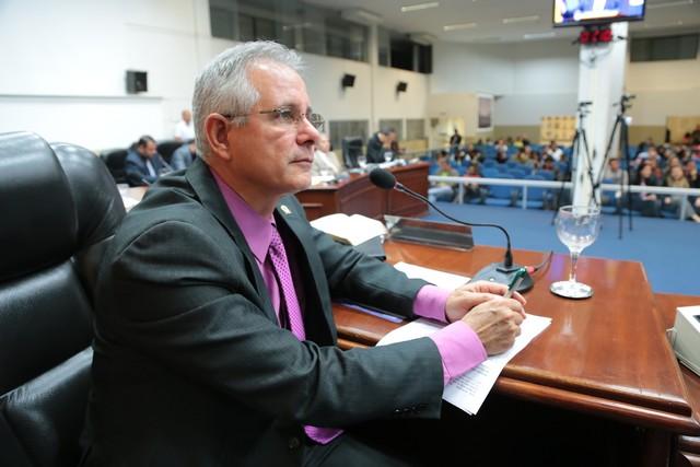 Vereador requereu estudos do Governo do Estado no sentido de viabilizar recursos para a construção de uma ponte de concreto - Foto: Eder Gonçalves