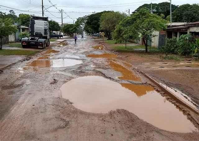 Bebeto pede força-tarefa emergencial em serviços de manutenção de ruas - Foto: Eliel Oliveira