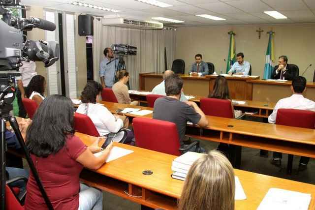 """Comissão de Educação se reúne com representantes da Educação para falar sobre a """"Lei Harfouche"""" - Foto: Wagner Guimarães"""