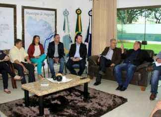 Reinaldo se reuniu com prefeito, vereadores e secretários para ouvir reivindicações e reafirmar parceria visando mais melhorias em prol da população - Foto: Edemir Rodrigues