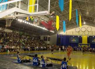 Grupo Ginasloucos faz um show de enterradas de basquetebol - Divulgação
