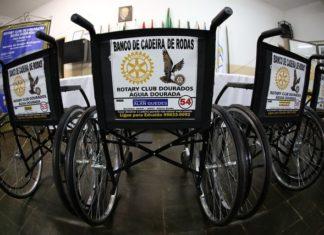 Cadeiras de rodas doadas por empresários e repassadas pelo Rotary Águia Dourada vai atender pacientes da UPA e do Hospital da Vida - Divulgação
