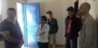 O vereador Olavo Sul em conversa com a coordenação e os funcionários do CCZ - Divulgação