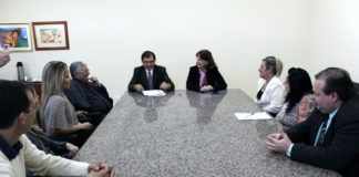 Termo de cooperação entre TRT e prefeitura de Dourados foi assinado na tarde de sexta-feira, na Unigran - Foto: Assecom