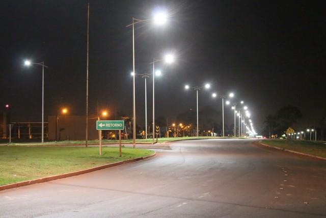 Prefeitura tem mantido serviços de limpeza e manutenção da iluminação na Avenida Guaicurus - Foto: A. Frota