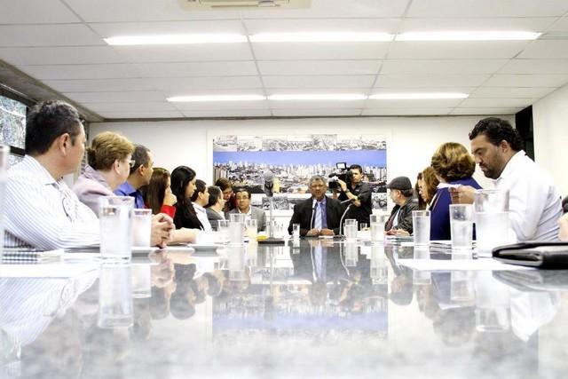 Reunião da Frente Parlamentar em Defesa da Assistência Social – Assessoria ALMS