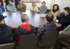 Na presença de todo o secretariado municipal, de vereadores e imprensa, foi apresentada e assinada a parceria que vai atender a demanda do trabalhador - Foto: A. Frota