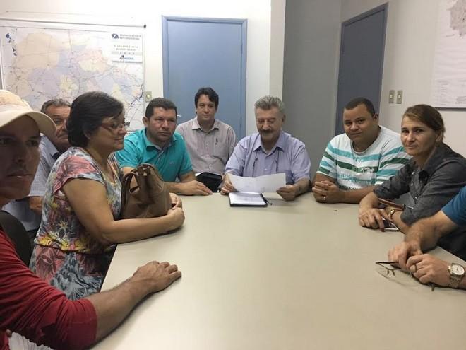 Secretário Zé Elias recebeu comissão de moradores de sitiocas e donos de empresas às margens do trecho urbano da BR-163 – Foto: Assecom