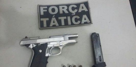 Arma apreendida, uma pistola calibre 380 carregada com 4 munições – Divulgação 3º BPM