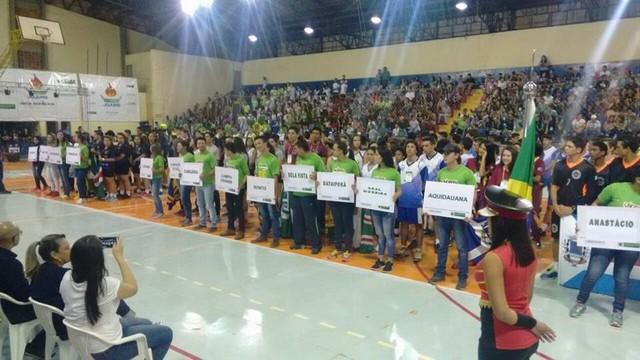 A abertura do JOJUMS aconteceu na noite desta terça-feira no ginásio municipal de Jardim – Foto: Divulgação Fundesporte