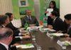 Reinaldo recebeu nesta sexta-feira representantes da província chinesa de AnHui, onde selaram parceria em diversas áreas – Foto: Chico Ribeiro