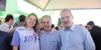 Vereadora com o governador Reinaldo Azambuja e também o deputado federal Geraldo Resende - Divulgação