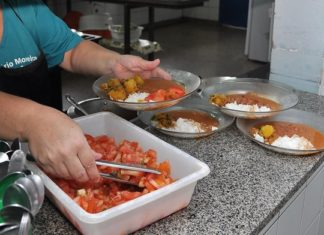 Merenda escolar é elaborada por nutricionistas e utiliza produtos variados, a maioria sem agrotóxicos, oriunda da agricultura familiar – Foto: Assecom