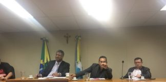 Pedro Pepa representando a Comissão de Higiene e Saúde durante reunião - Divulgação