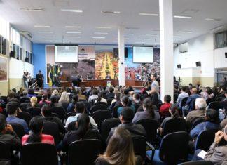 Procurador de Justiça de MS apresenta projeto de lei substitutivo, de autoria de Sergio Nogueira, durante Audiência Pública - Assessoria