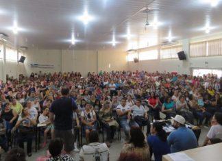 Assembleia manteve a paralisação parcial na rede municipal de ensino de Dourados - Foto: Simted