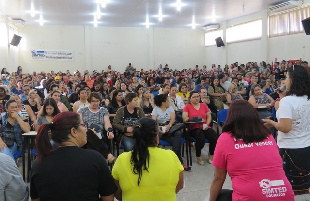 Trabalhadores mantêm luta contra a precarização do Ensino em Dourados - Foto: SIMTED