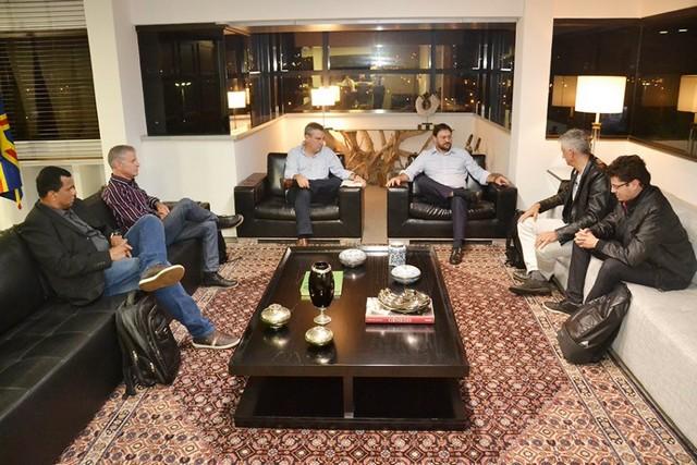 Deputado Paulo Corrêa recebeu nesta semana a visita do empresário Neriberto Pamplona, da BRAVE ELECTRO (Brasil Veículos Elétricos) – Foto: Assessoria ALMS