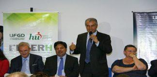 Governador Reinaldo Azambuja com o ministro da Educação Mendonça Filho anunciam investimentos para a saúde em Dourados – Foto: Edemir Rodrigues