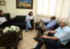 Prefeita Délia Razuk recebeu o cardiologista Irineu Lemes e o diretor administrativo da Funpema, Mauro Lange – Foto: A. Frota