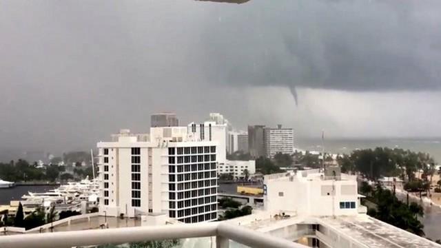Furacão chegou ao sul da Flórida com ventos de até 215 km/h - Foto: Twitter-Karina Bauza-via Reuters