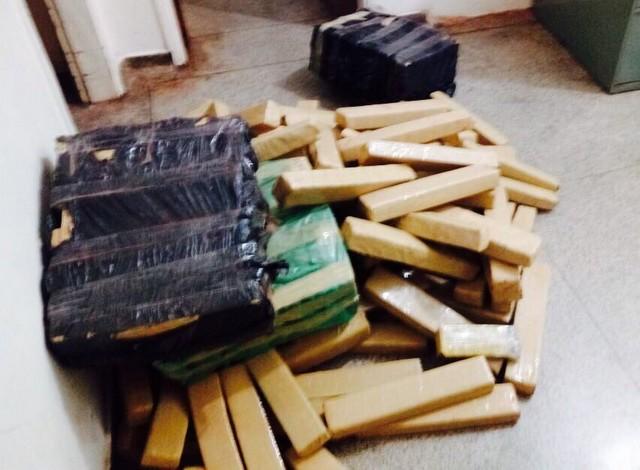 Foram apreendidos 411 quilos de maconha – Divulgação PM