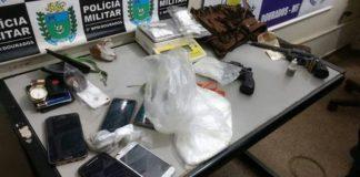Drogas, armas e produtos de roubo apreendidos durante a ação policial – Divulgação 3º BPM