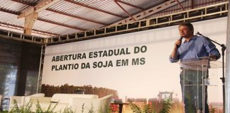 Secretário Jaime Verruck, da Semagro, esteve no evento para representar o Governador Reinaldo Azambuja - Assessoria