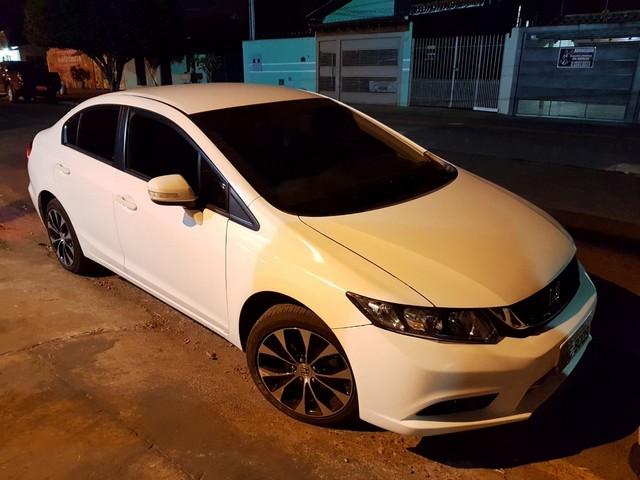 Veículo recuperado, um Honda/Civic, havia sido roubado em 19 de maio deste ano – Foto: PRF