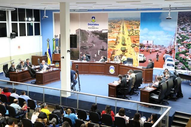 Os projetos foram votados e aprovados durante a sessão desta segunda-feira (11) - Foto: Eder Gonçalves