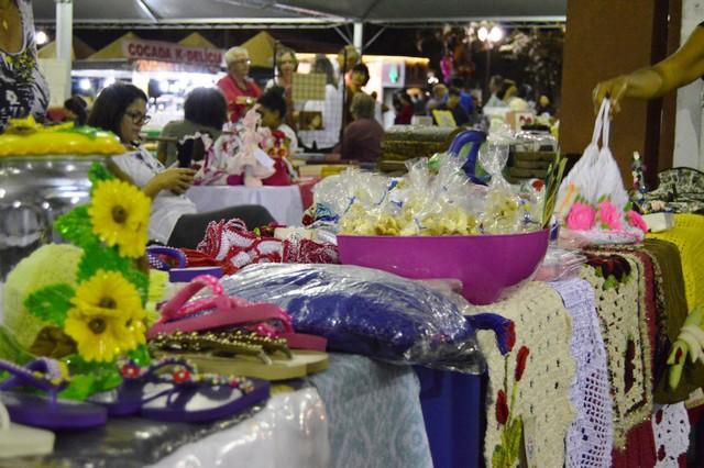 Feiras do artesanato têm fomentado o setor e divulgado para a população os trabalhos dos artesãos douradenses - Foto: Arquivo