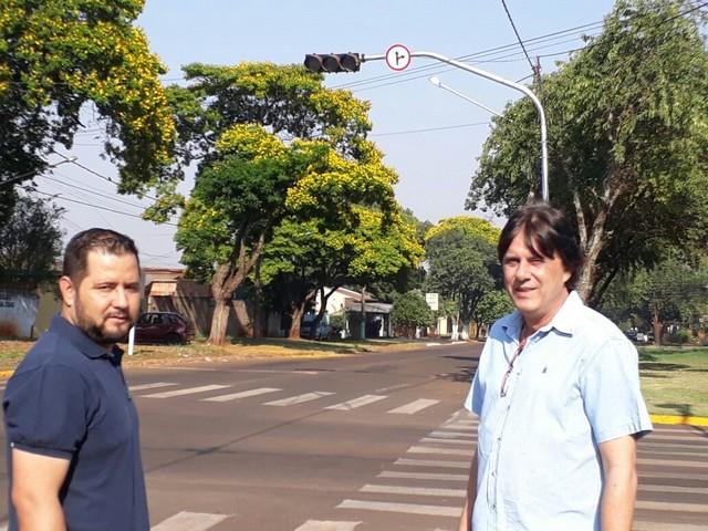 O semáforo já está em funcionamento no local - Foto: Assessoria