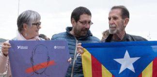 Presidente da Catalunha, Carles Puigdemont, seu vice, Oriol Junqueras e de todos os secretários regionais foram destituídos – Foto: EPA