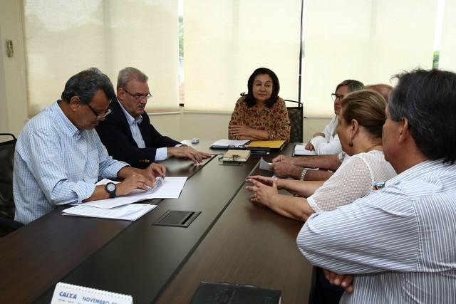 Prefeita Délia Razuk recebeu o deputado Geraldo Resende no Gabinete, na manhã desta sexta-feira – Foto: A. Frota